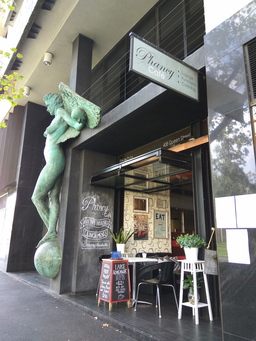 Phancy Cafe & Catering | cafe | 408 Queen St, Melbourne VIC 3000, Australia | 0396700884 OR +61 3 9670 0884