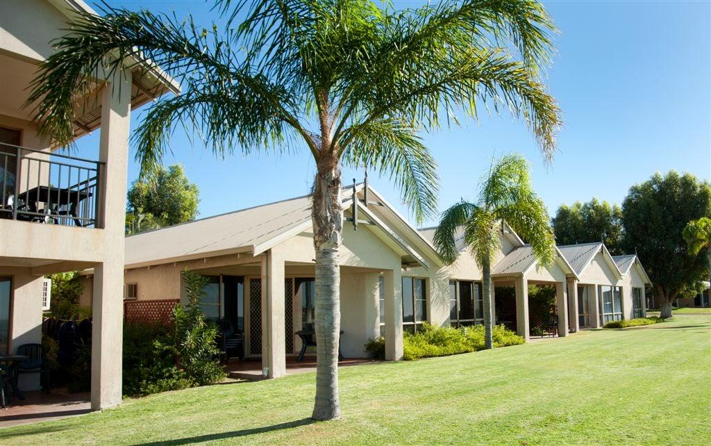 Pelican Shore Villas Kalbarri   lodging   Kaiber St, Kalbarri WA 6536, Australia   0899371708 OR +61 8 9937 1708