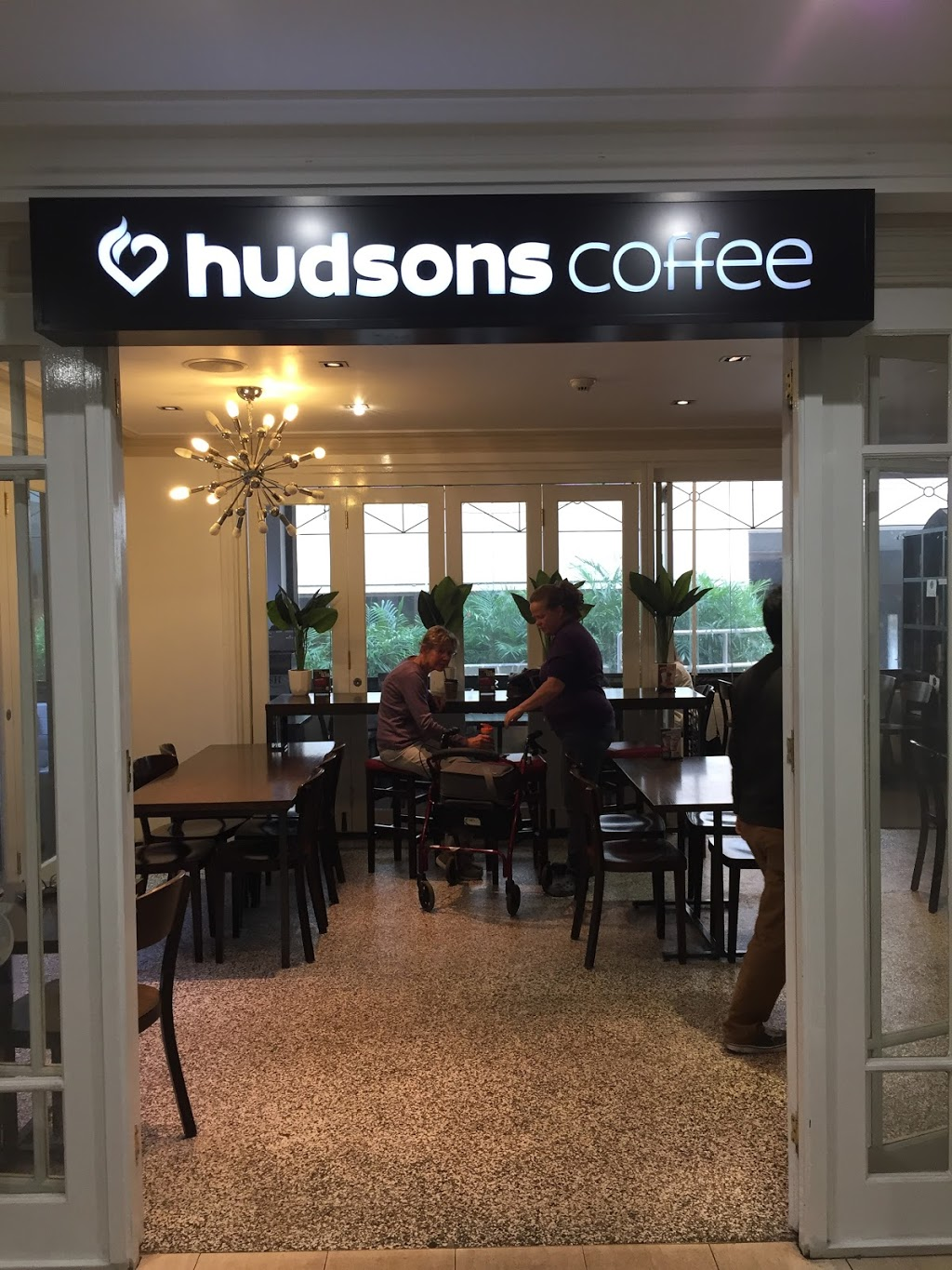 Hudsons Coffee | cafe | Mount Private Hospital, 150 Mounts Bay Rd, Perth WA 6000, Australia | 0892263423 OR +61 8 9226 3423