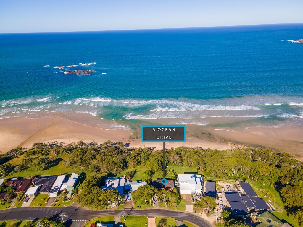 The Sandcastle   lodging   6 Ocean Dr, Safety Beach NSW 2456, Australia   0417885376 OR +61 417 885 376