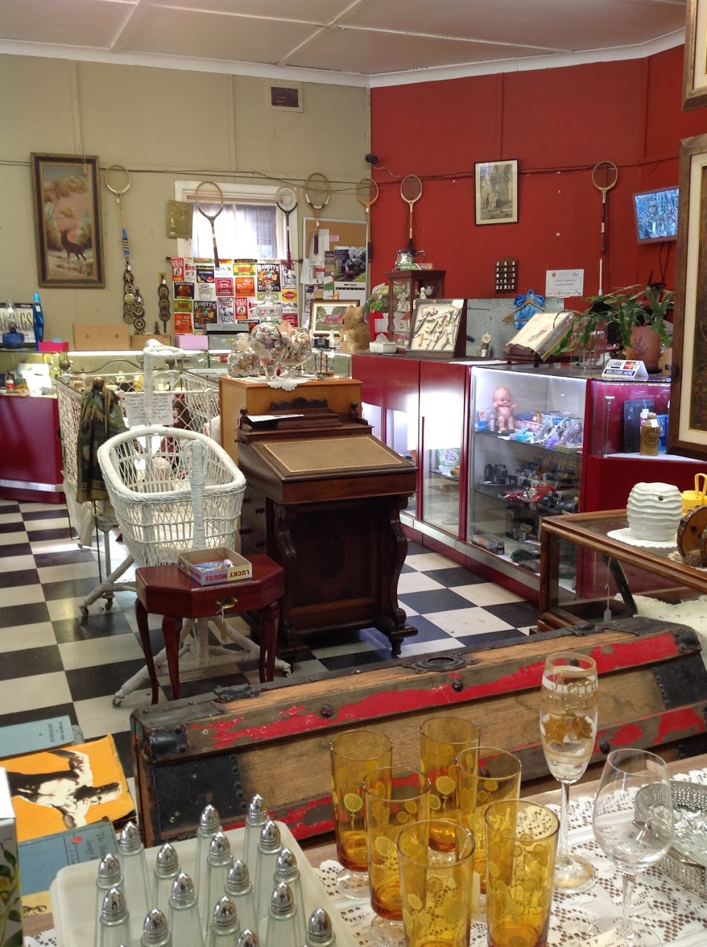 Cobwebs Antiques & Collectibles | furniture store | 88 Bridge St, Uralla NSW 2358, Australia | 0412017008 OR +61 412 017 008