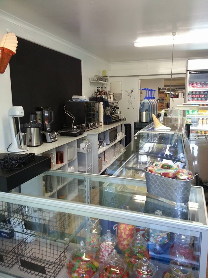 Fresh On Bayview | cafe | shop 1/2 Bayview Rd, Russell Island QLD 4184, Australia | 0734092713 OR +61 7 3409 2713