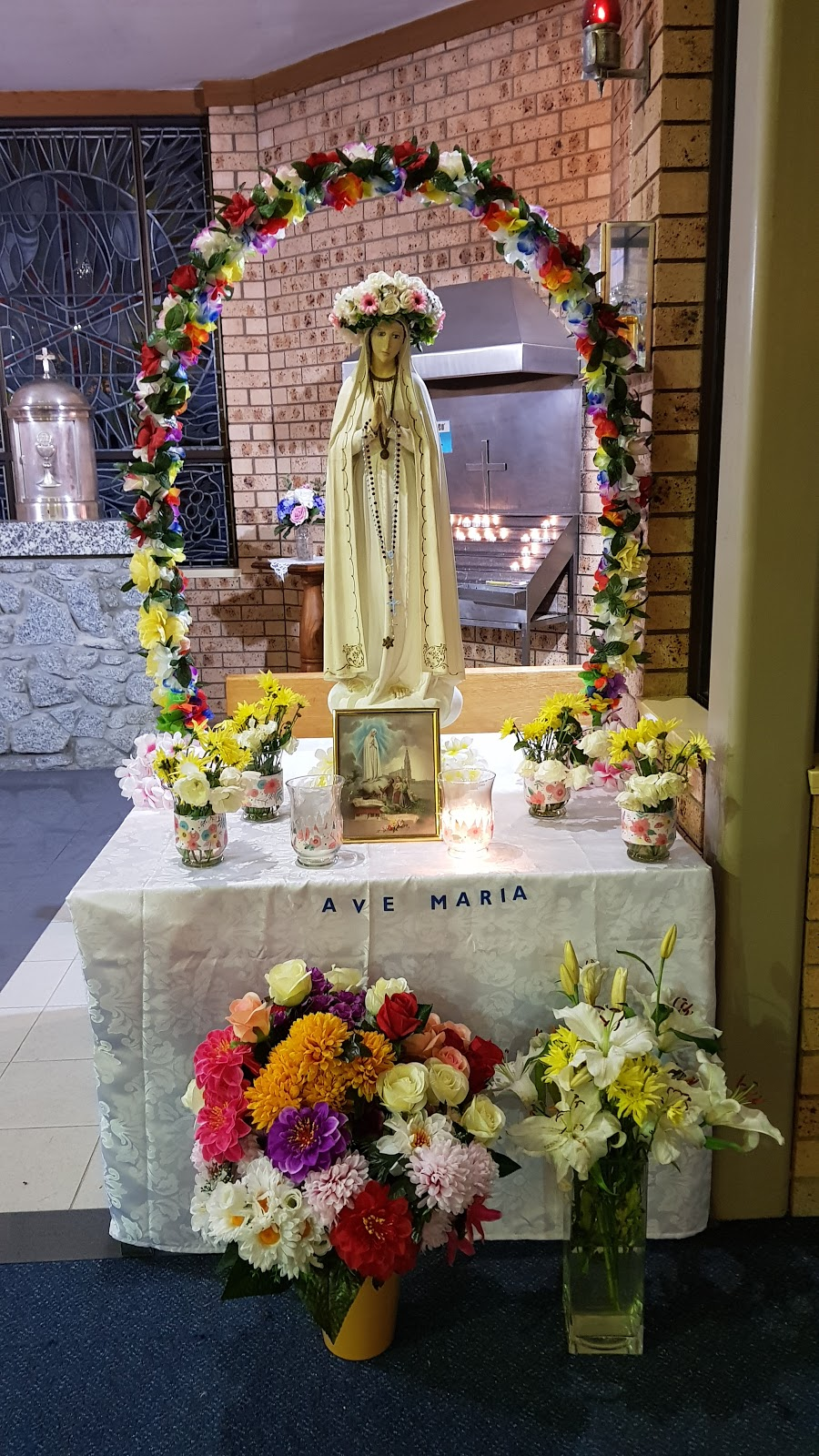 Saint Bernards Catholic Church | church | 2 David Ave, Batehaven NSW 2536, Australia | 0244724153 OR +61 2 4472 4153