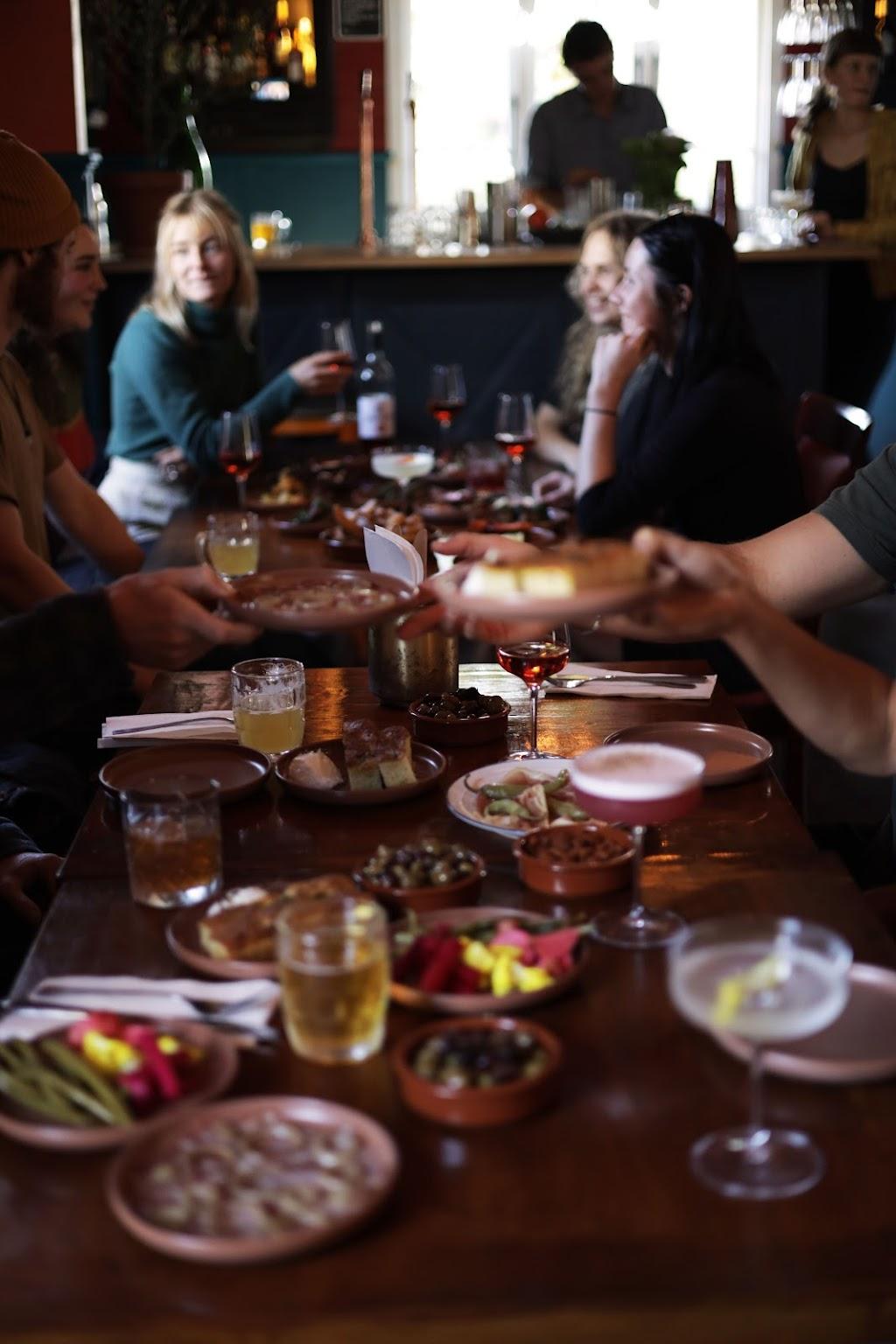 Brunos Mediterranean Kitchen | restaurant | 2 Oak St, Bellingen NSW 2454, Australia | 0266008614 OR +61 2 6600 8614