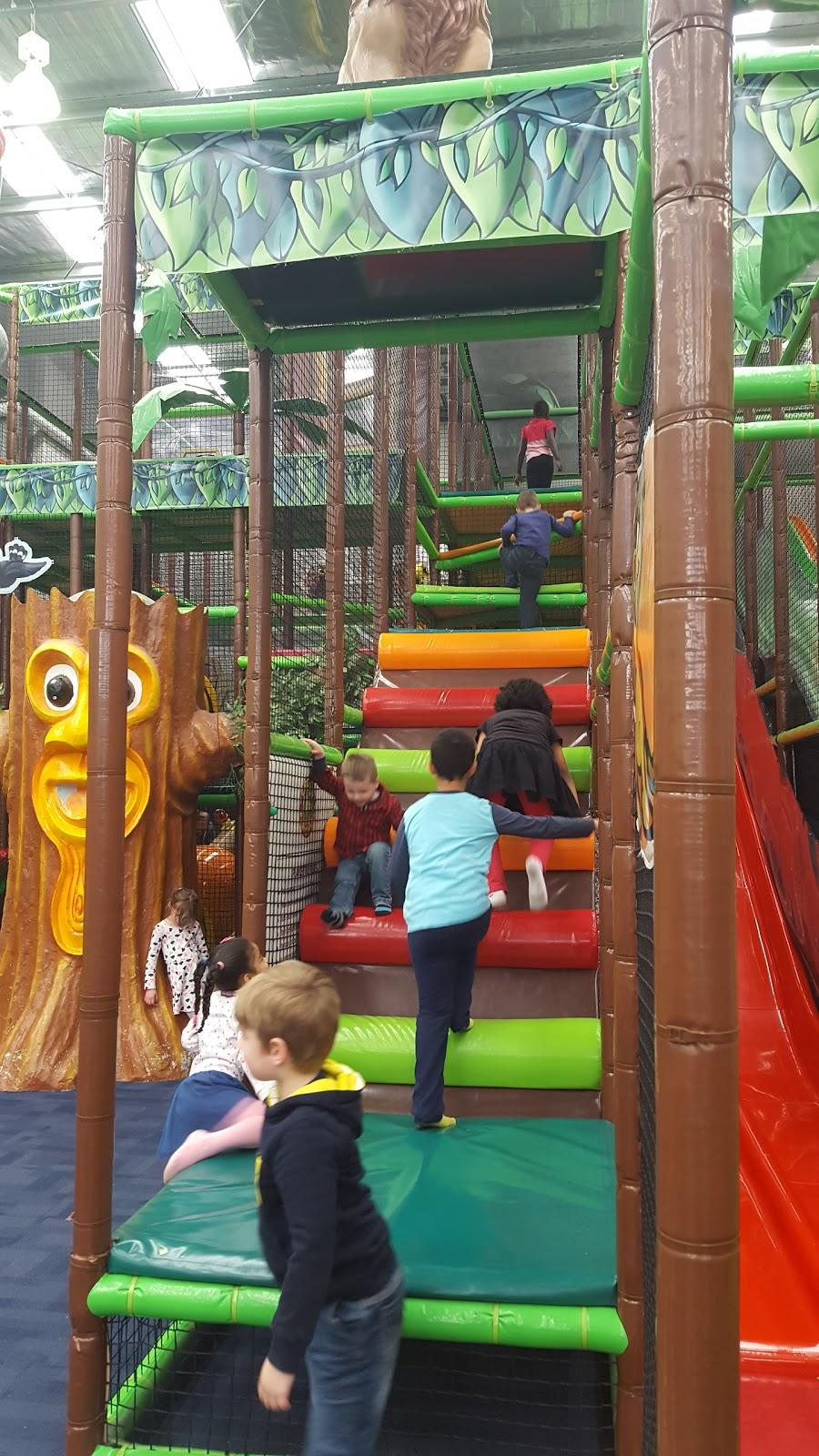 Crocs Playcentre Pakenham | cafe | Unit 10/99 Bald Hill Rd, Pakenham VIC 3810, Australia | 0359412288 OR +61 3 5941 2288