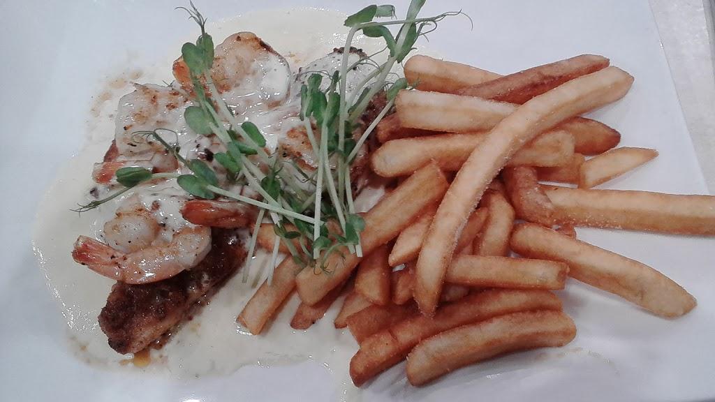 The Hamilton Tavern | restaurant | 330 Carrington St, Hamilton Hill WA 6163, Australia | 0893373011 OR +61 8 9337 3011