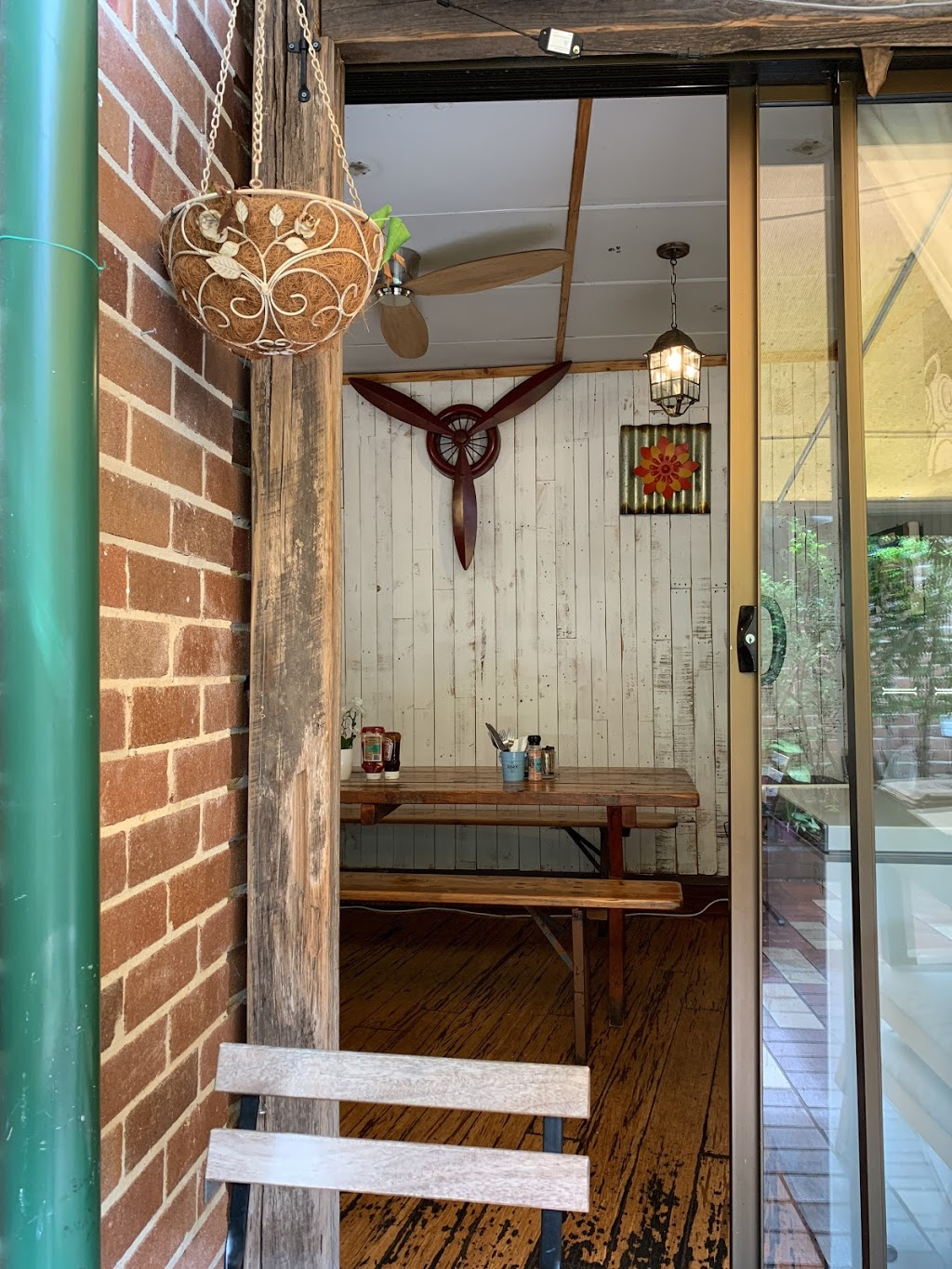 COZY | cafe | Shop 5/308-310 Darling St, Balmain NSW 2041, Australia | 0452384860 OR +61 452 384 860
