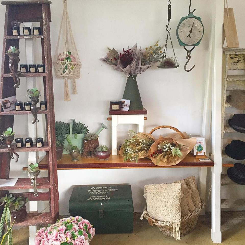 Hunt & Gather Vintage   store   Currumbin Valley QLD 4223, Australia   0405061758 OR +61 405 061 758