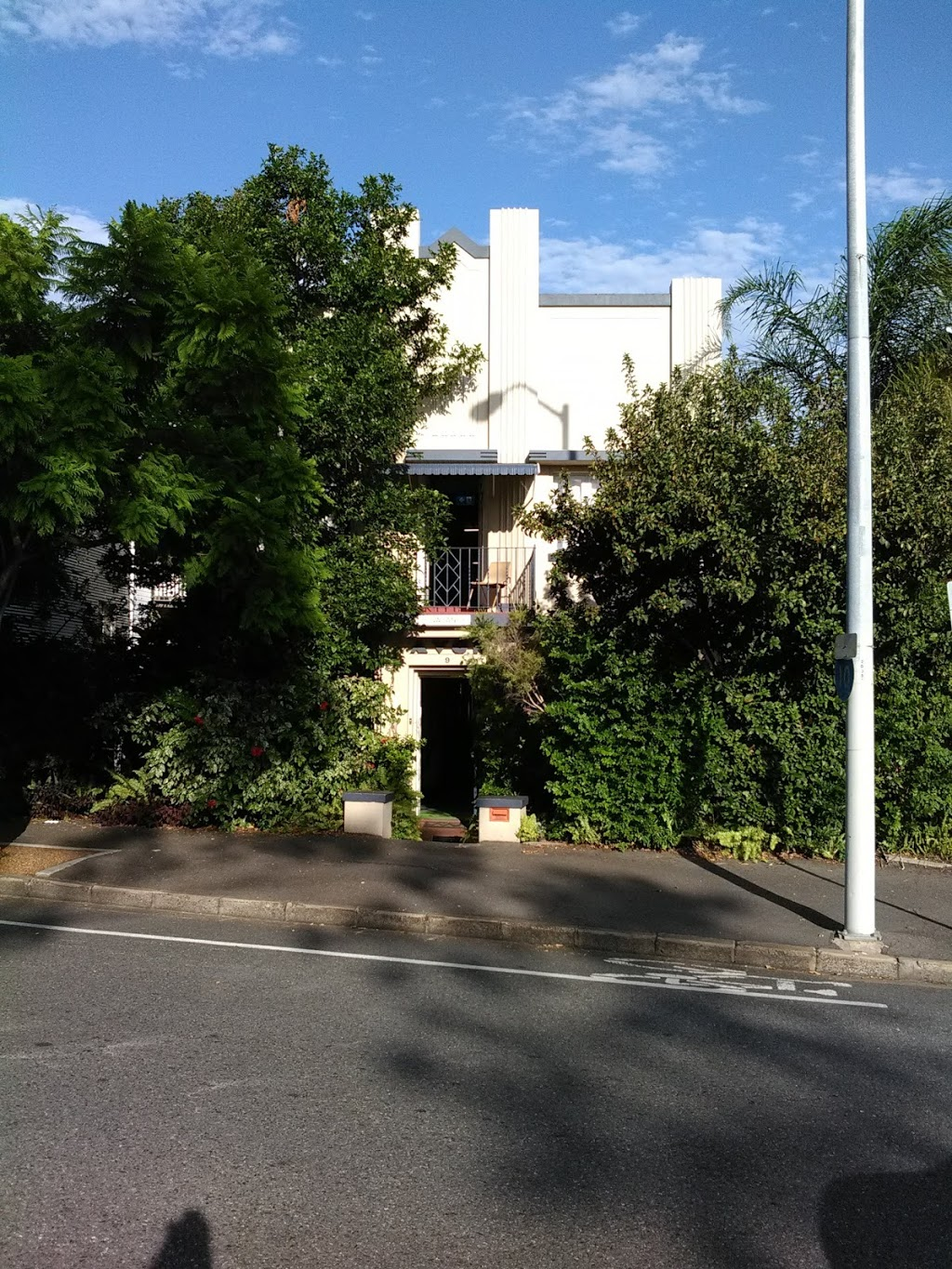 Avon Lodge | lodging | 9 Gregory Terrace, Spring Hill QLD 4000, Australia | 0738394905 OR +61 7 3839 4905