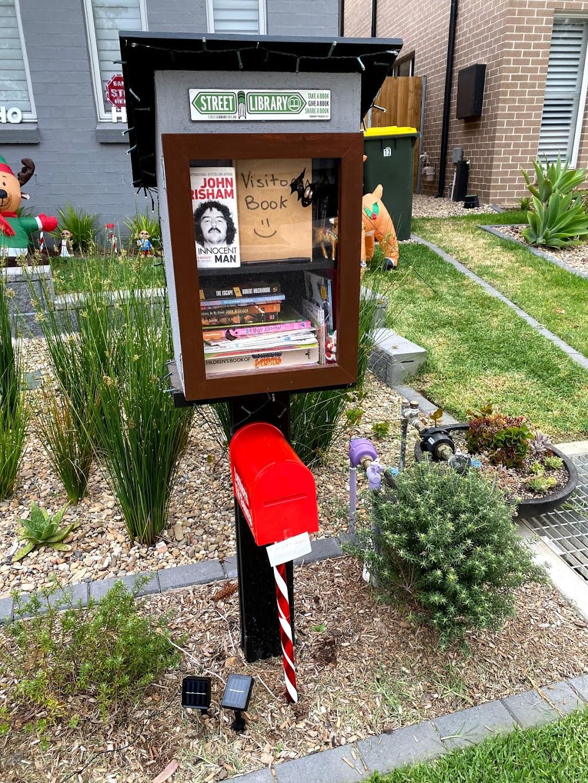 Serpentine Street Library | library | Serpentine Ave, North Kellyville NSW 2155, Australia