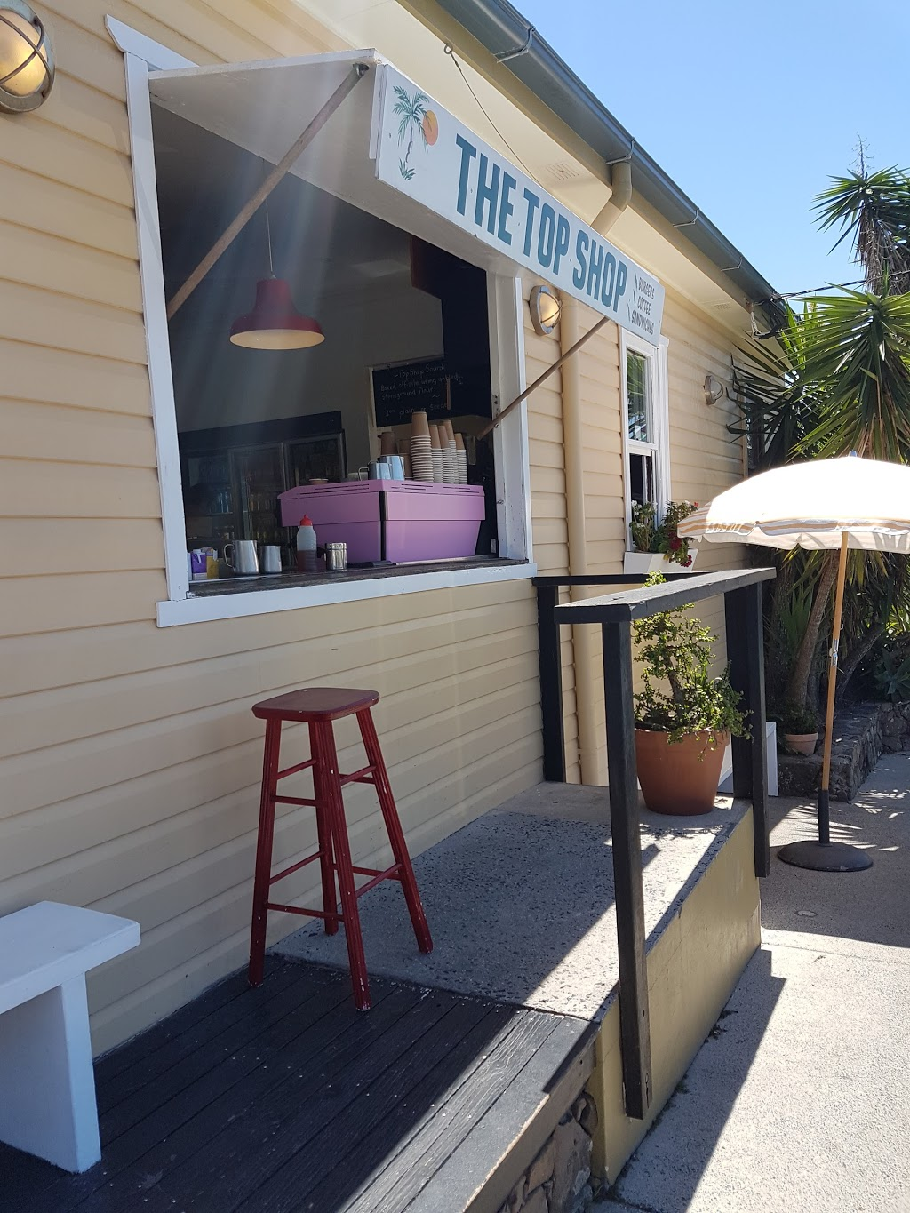 The Top Shop | cafe | 65 Carlyle St, Byron Bay NSW 2481, Australia | 0266856495 OR +61 2 6685 6495