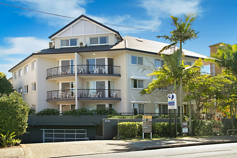 Blue Waters Apartments | real estate agency | 220 Marine Parade, Labrador QLD 4215, Australia | 0755911695 OR +61 7 5591 1695