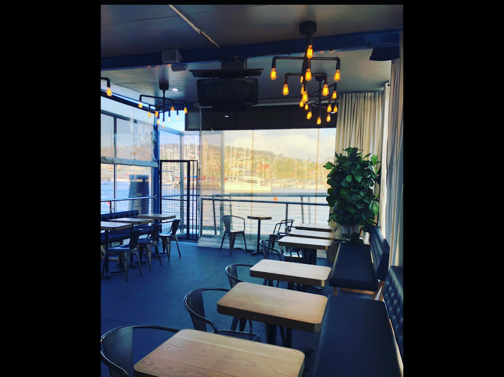 Hooked on Bellerive | cafe | 2 b Cambridge Rd, Bellerive TAS 7018, Australia
