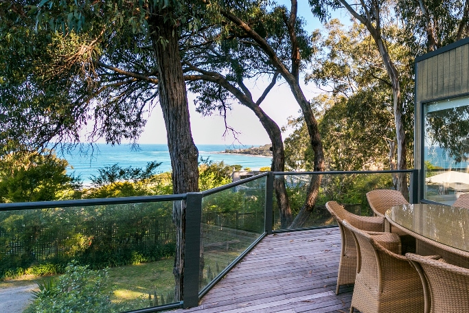 LUXURY ESCAPE Holiday Home Lorne | lodging | 17A Gwynne Ave, Lorne VIC 3232, Australia | 0352894233 OR +61 3 5289 4233