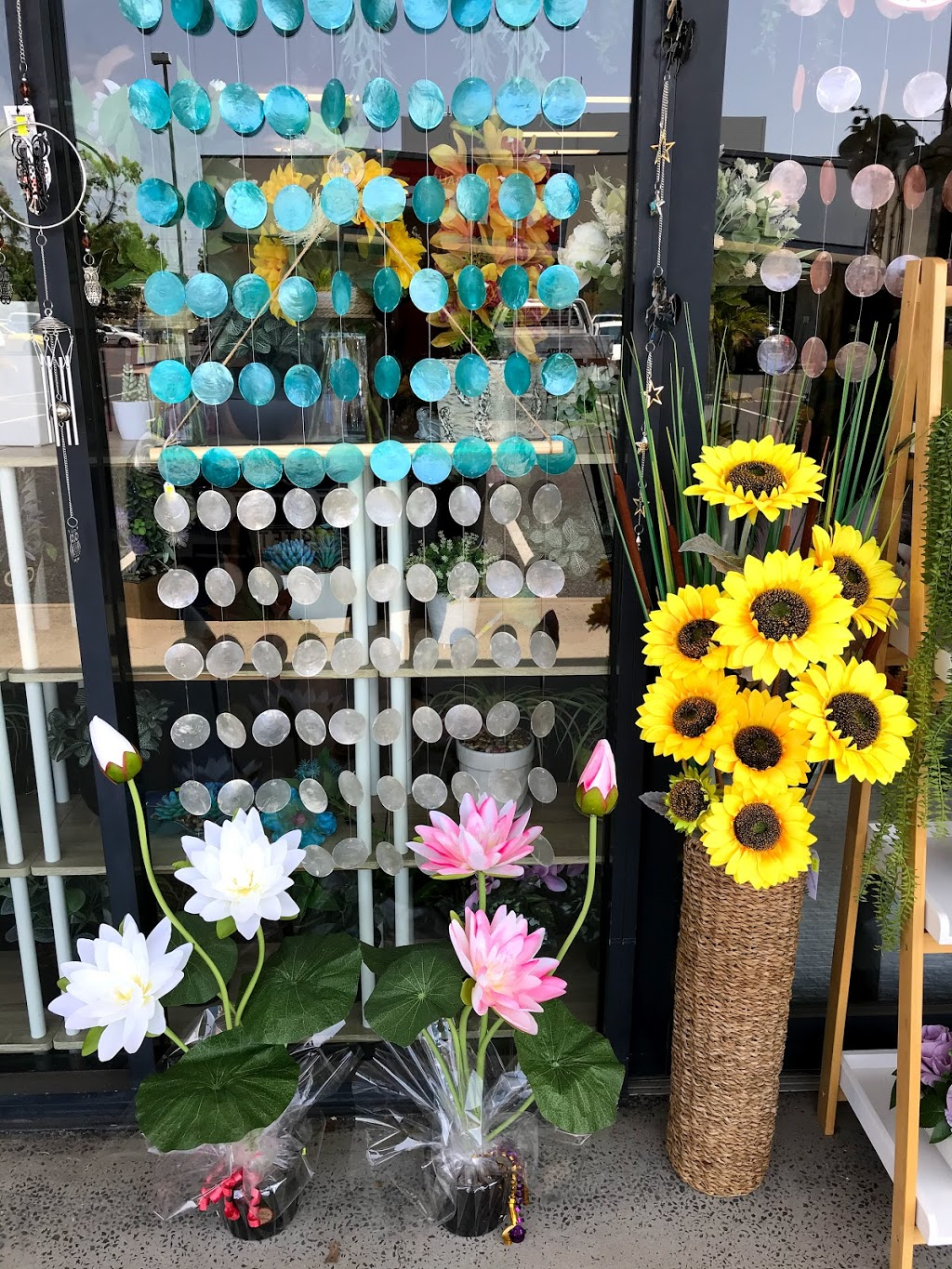 Unreal Artificial Plants | florist | Red Hill Homemakers Centre 400, 414-434 Yaamba Rd, Norman Gardens QLD 4701, Australia | 0417712827 OR +61 417 712 827