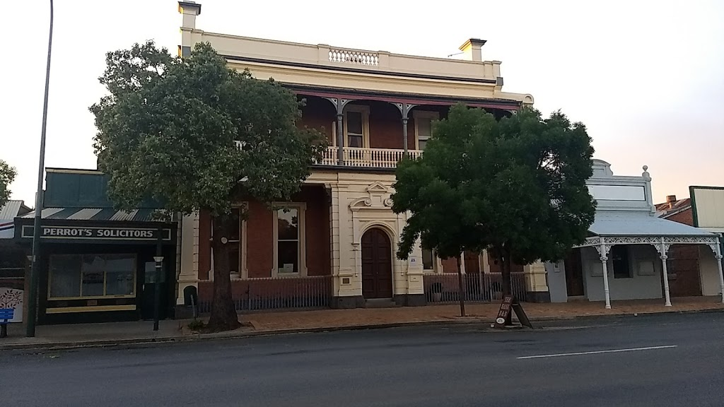 The Bank Bed & Breakfast   lodging   86 Lachlan St, Hay NSW 2711, Australia   0269931730 OR +61 2 6993 1730