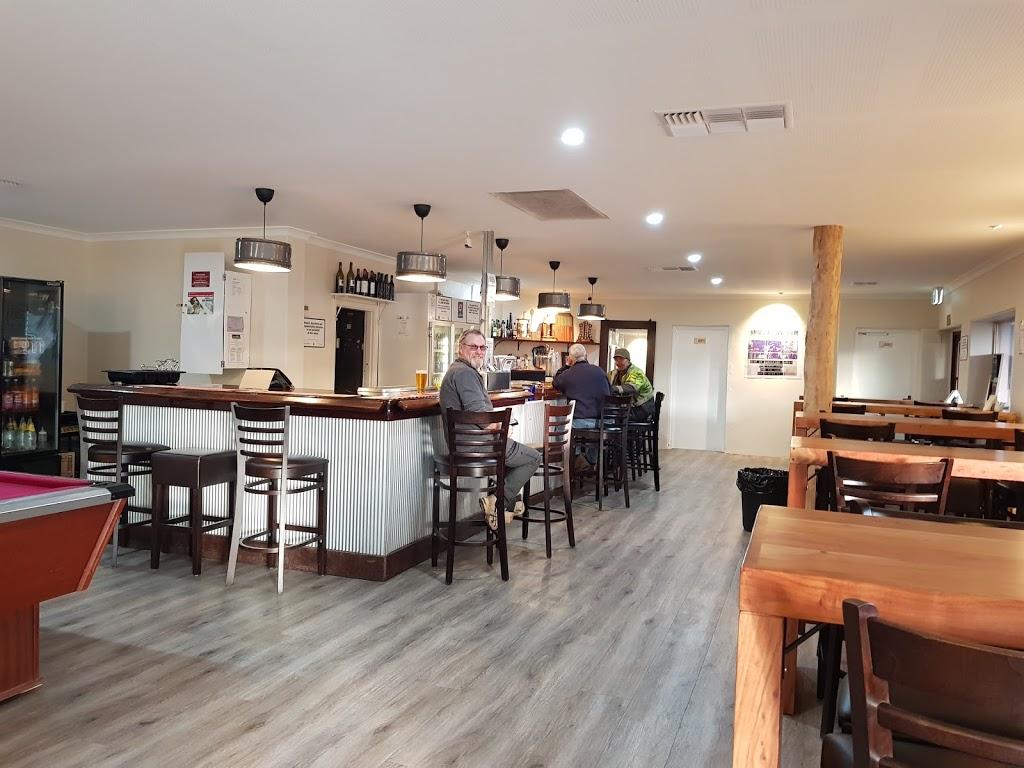 Wandering Tavern   restaurant   31 Watts St, Wandering WA 6308, Australia   0898841097 OR +61 8 9884 1097