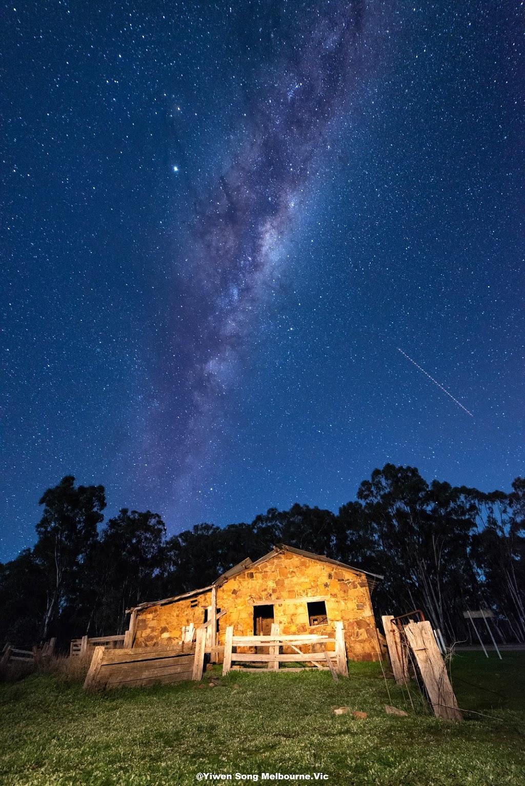 Old Gold Rush Hotel   lodging   Mortons Ln, Waanyarra VIC 3551, Australia