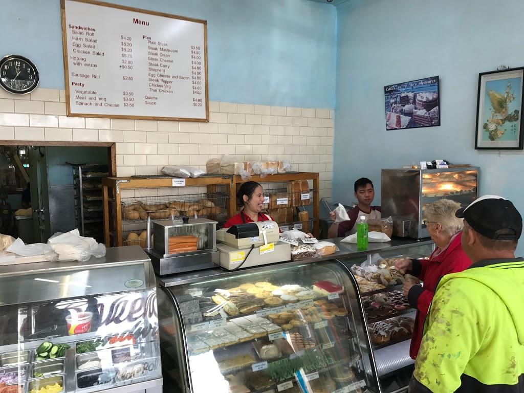 Briar Hill Traditional Bakehouse   bakery   111 Mountain View Rd, Briar Hill VIC 3088, Australia   0394346680 OR +61 3 9434 6680