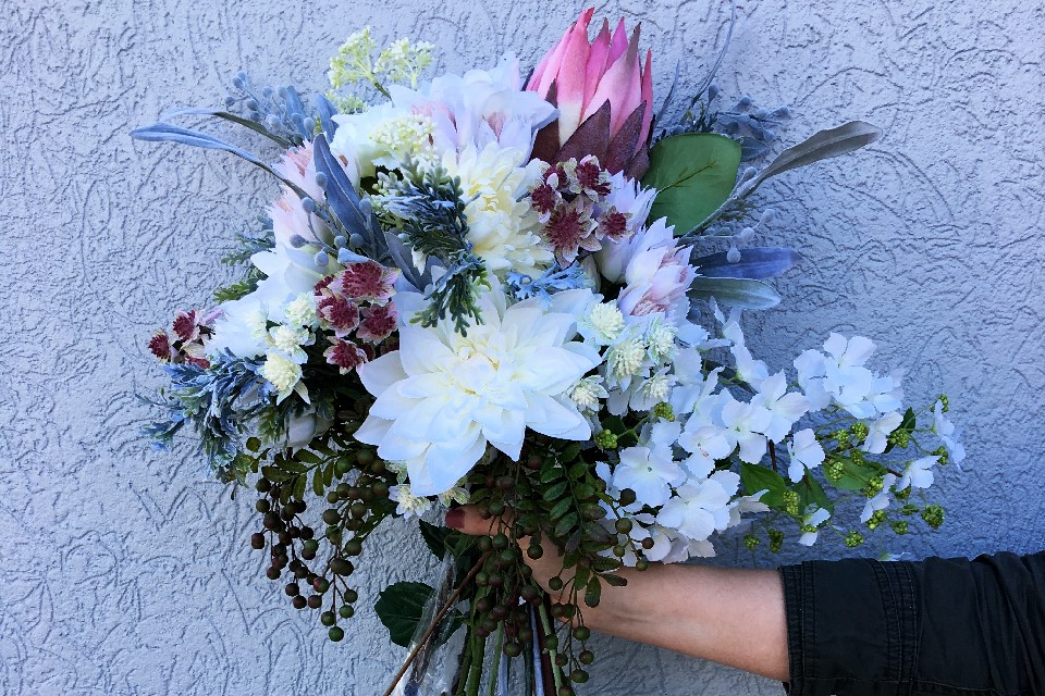 Swann Agencies | florist | 2/54 Turbo Dr, Coorparoo QLD 4151, Australia | 0733924011 OR +61 7 3392 4011