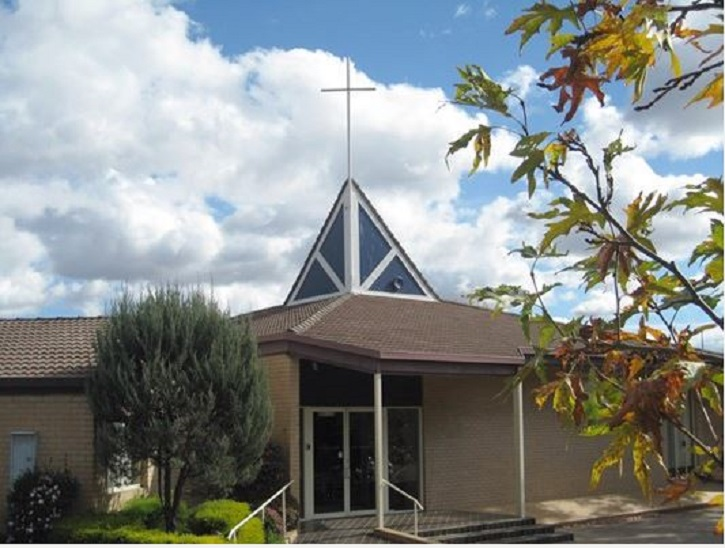 Holy Cross Lutheran Church | church | Emu Bank &, Eastern Valley Way, Belconnen ACT 2617, Australia | 0262516215 OR +61 2 6251 6215