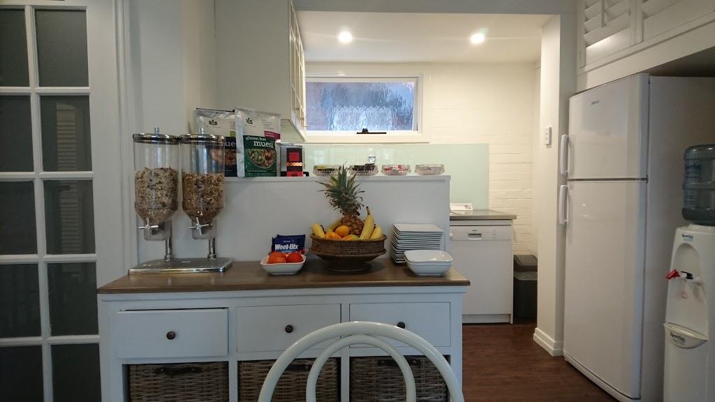 Edward Lodge Accomodation | lodging | 75 Sydney St, New Farm QLD 4005, Australia | 0733582680 OR +61 7 3358 2680