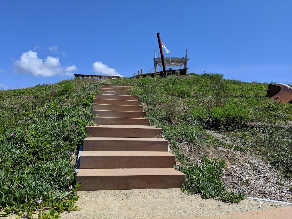 Wreck Point Lookout   tourist attraction   Matthew Flinders Dr, Cooee Bay QLD 4703, Australia   1800675785 OR +61 1800 675 785
