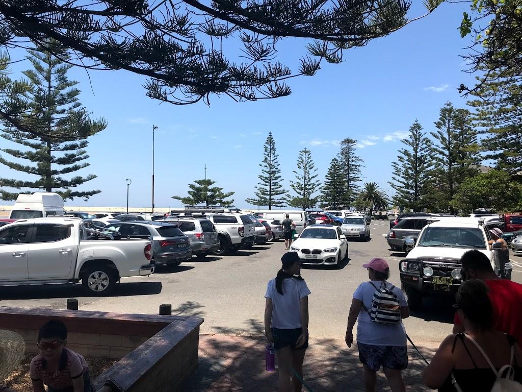 The Entrance Memorial Park Car Park | parking | The Entrance NSW 2261, Australia