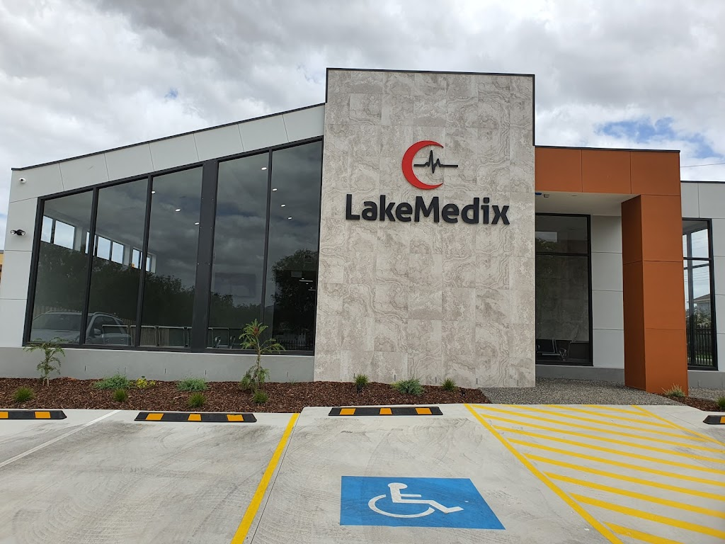 LakeMedix | hospital | 42 Station Lake Rd, Lara VIC 3212, Australia | 0352972800 OR +61 3 5297 2800