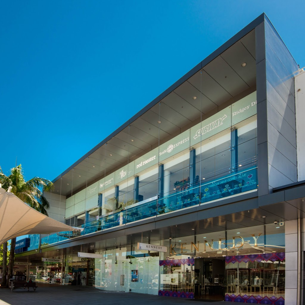 John Cozens Glass   store   1 Lawson Cres, Coffs Harbour NSW 2450, Australia   0266528188 OR +61 2 6652 8188