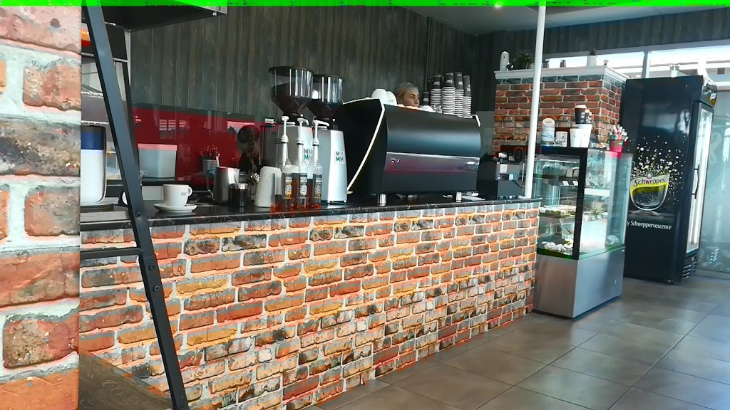 Pioneer Valley Cafe   cafe   213 Anzac Ave, Marian QLD 4753, Australia