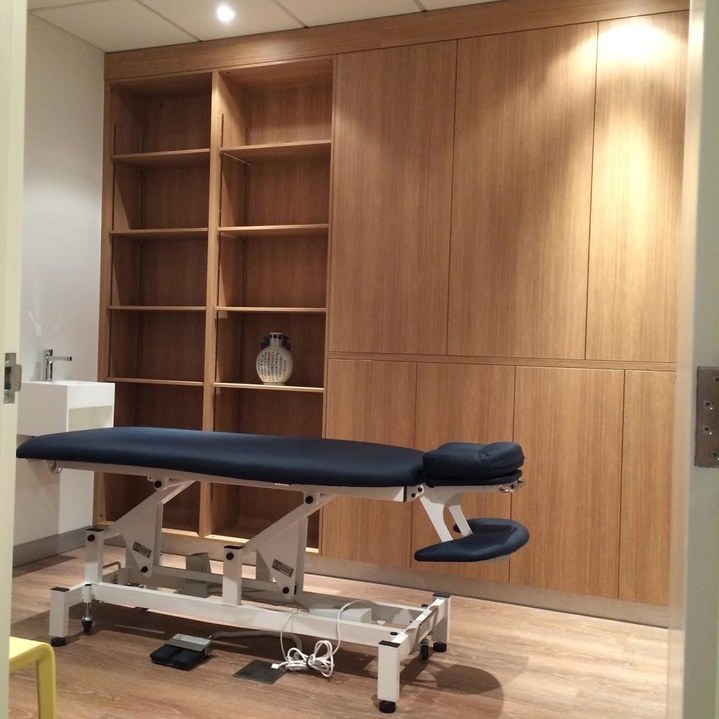 Insight Chiropractic   health   103/12 Salonika St, Parap NT 0820, Australia   0889959510 OR +61 8 8995 9510
