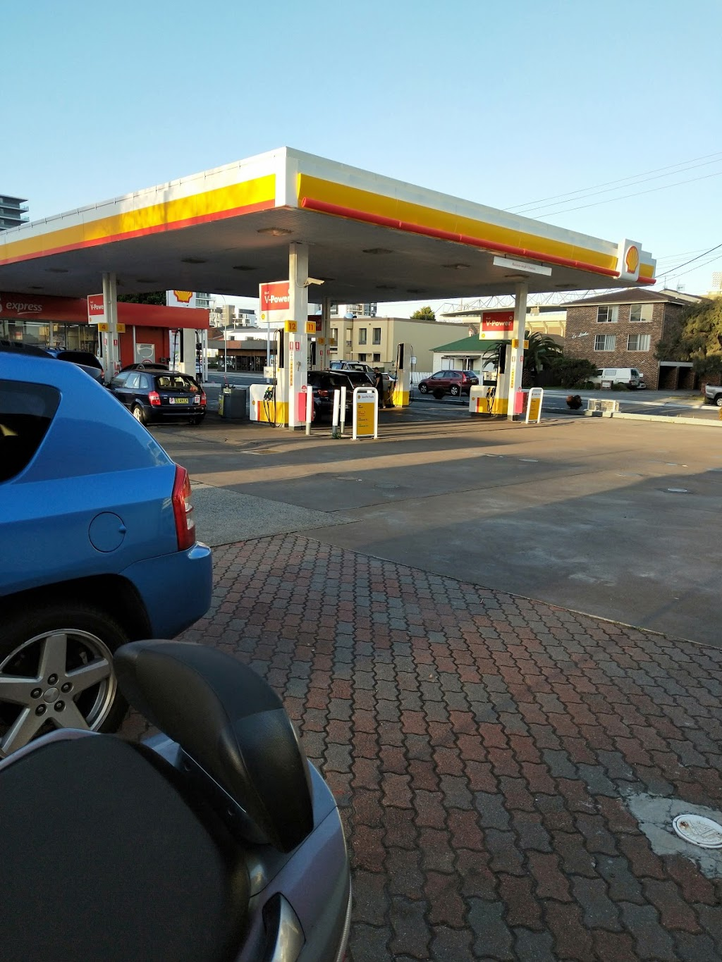 Coles Express Wollongong | gas station | 142-148 Corrimal St, Wollongong NSW 2500, Australia | 0242257012 OR +61 2 4225 7012