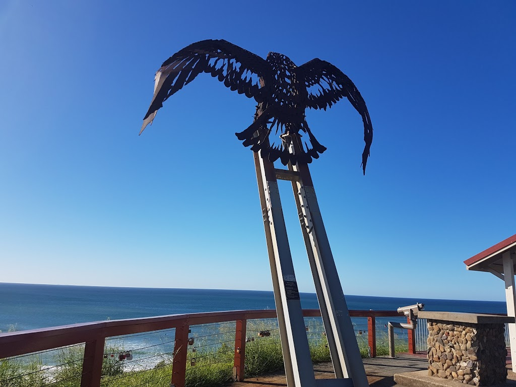 Kirra Hill Lookout   museum   6 McLean St, Coolangatta QLD 4225, Australia   0401634850 OR +61 401 634 850