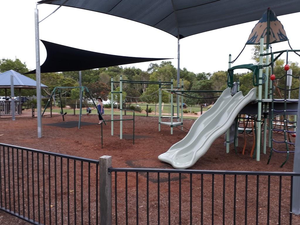 The Avenue Park – Duck Pond Peregian Springs | park | 41/66 The Avenue, Peregian Springs QLD 4573, Australia