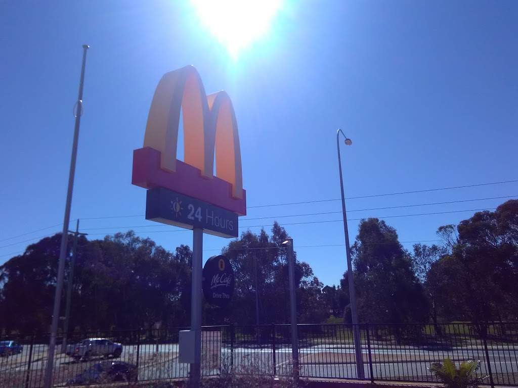 McDonalds Byford | cafe | Thomas Rd &, Kardan Blvd, Byford WA 6122, Australia | 0895266700 OR +61 8 9526 6700