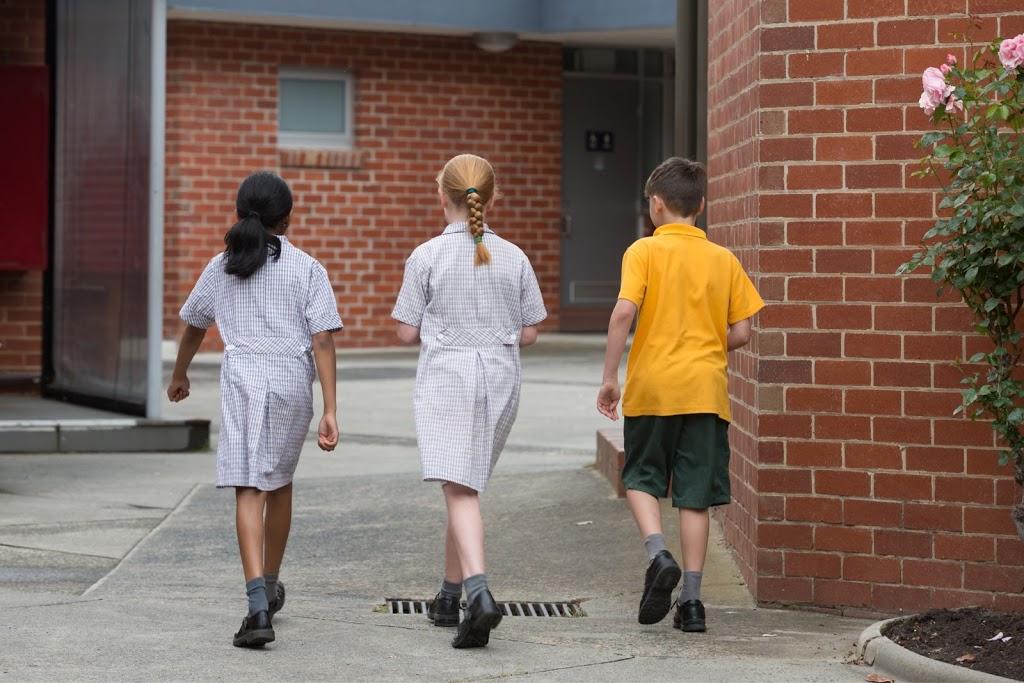 St Francis Xaviers Catholic Primary School   school   1087 Whitehorse Rd, Box Hill VIC 3128, Australia   0398901108 OR +61 3 9890 1108