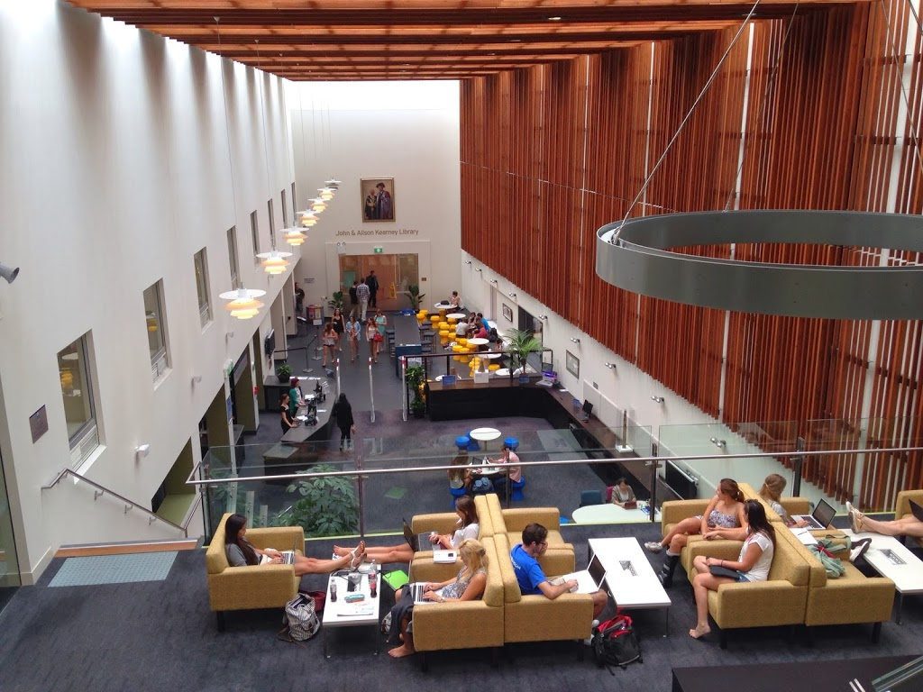 John and Alison Kearney Main Library | library | 14 University Dr, Robina QLD 4226, Australia | 0755951510 OR +61 7 5595 1510