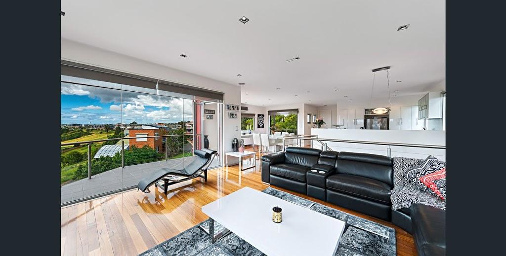 5 Star Gowanbrae Views | lodging | 1 Balderrie Ct, Gowanbrae VIC 3043, Australia | 0414499533 OR +61 414 499 533