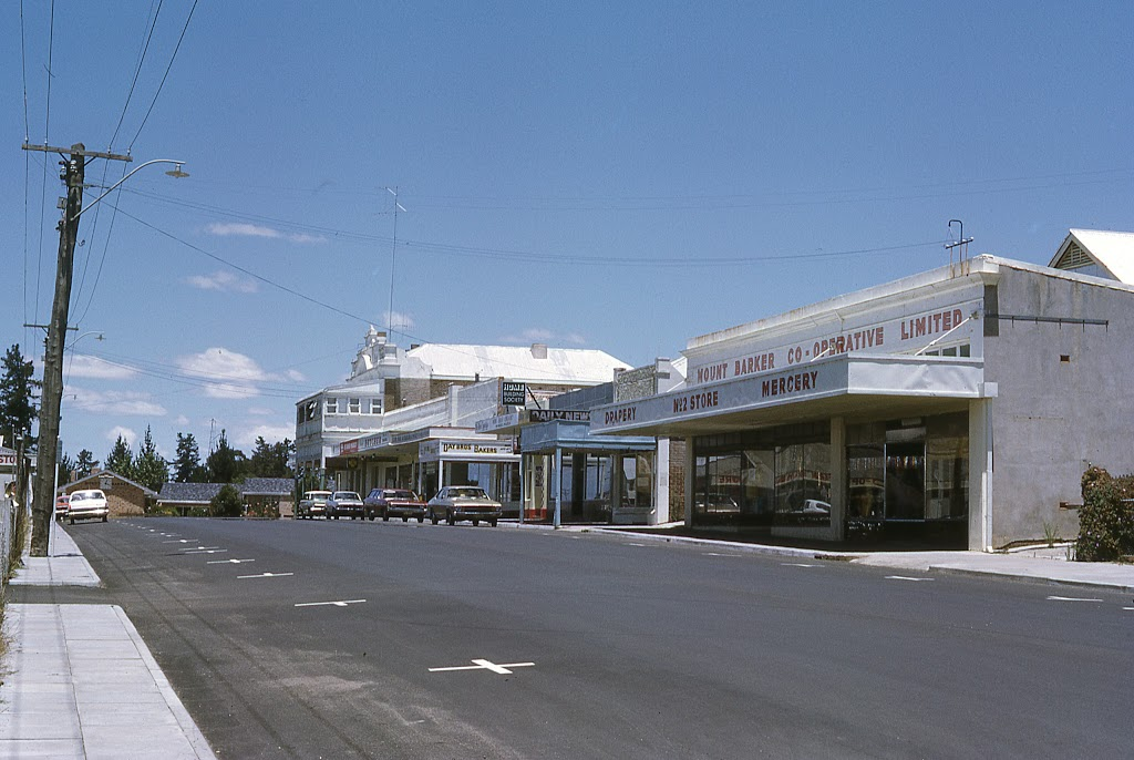Mt Barker Country Chemist | health | 23 Lowood Rd, Mount Barker WA 6323, Australia | 0898511010 OR +61 8 9851 1010