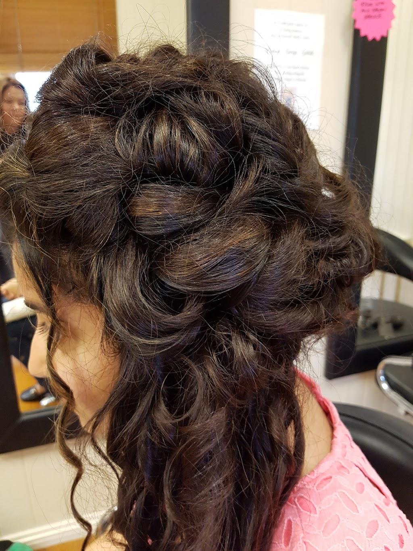 Peak-A-Do House Of Hair Beauty & Nails | beauty salon | 45 Warwick Rd, Ipswich QLD 4305, Australia | 0732024919 OR +61 7 3202 4919