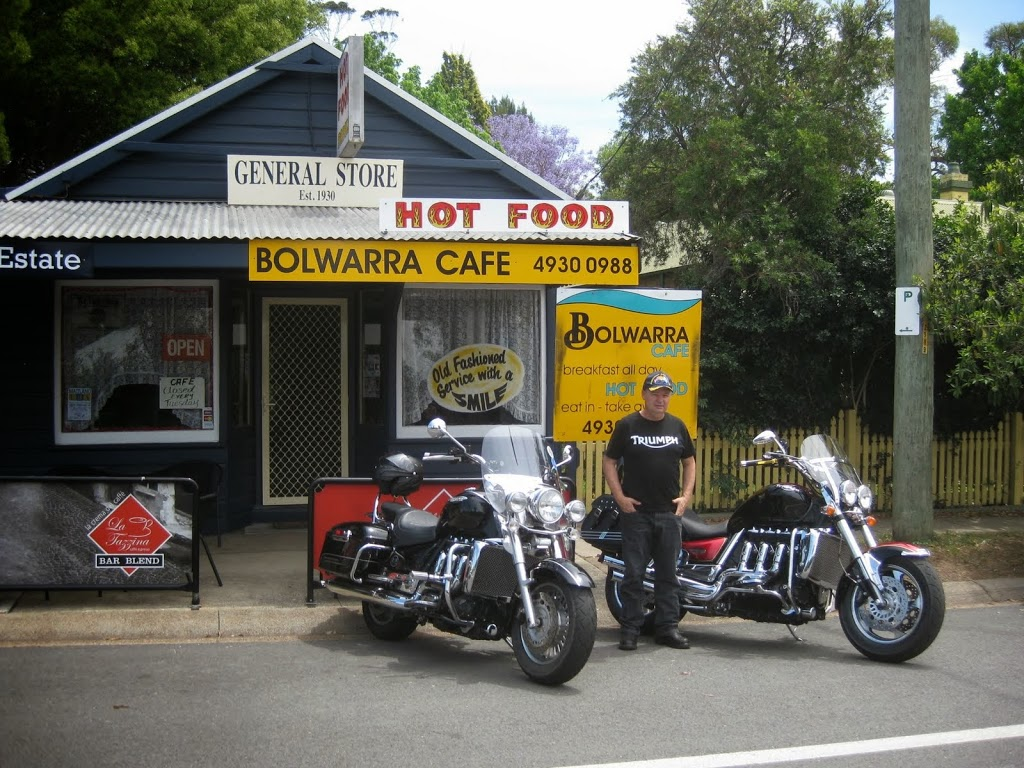 Bolwarra General Store and Cafe | cafe | 22 Paterson Rd, Bolwarra NSW 2320, Australia | 0249300988 OR +61 2 4930 0988
