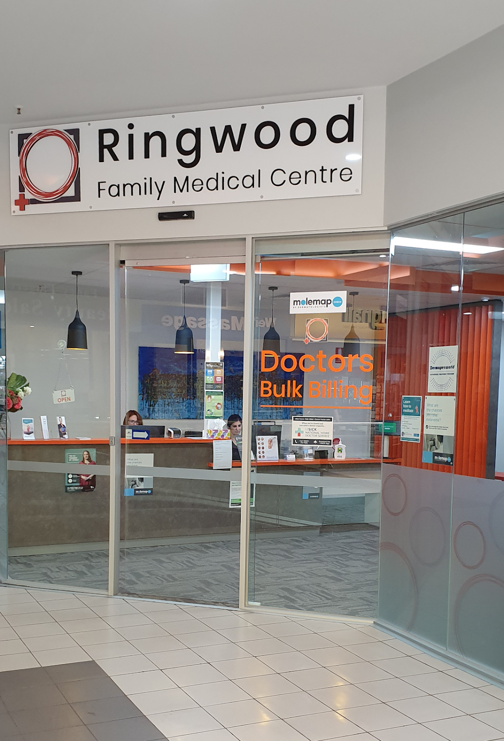 Ringwood Family Medical Centre | doctor | Ringwood Square Shopping Centre, Shop 19A/59-65 Maroondah Hwy, Ringwood VIC 3134, Australia | 0388426200 OR +61 3 8842 6200
