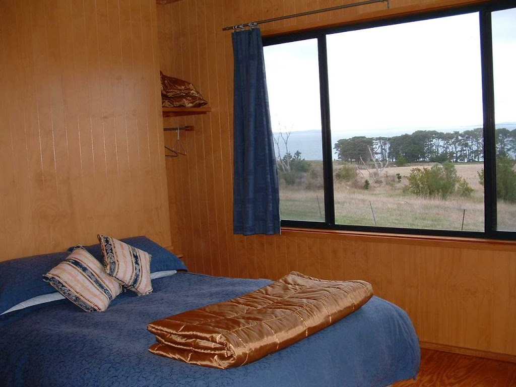 Aerie House | lodging | Fifth St, French Island VIC 3921, Australia | 0359801202 OR +61 3 5980 1202
