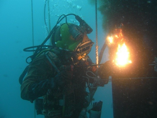 Abyss Commercial Diving | store | 8 Palmyra Cres, Buderim QLD 4556, Australia | 0418768240 OR +61 418 768 240
