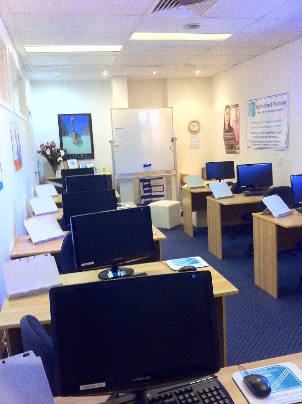 Sutherland Computer Training Pty Ltd   point of interest   28/27 Evans St, Maroochydore QLD 4558, Australia   0754511737 OR +61 7 5451 1737