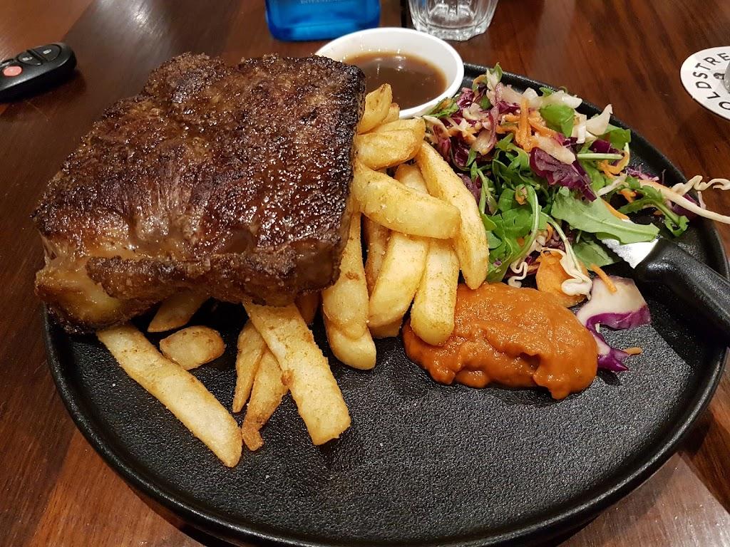 Main Hotel Bairnsdale | restaurant | 270 Main St, Bairnsdale VIC 3875, Australia | 0351530083 OR +61 3 5153 0083
