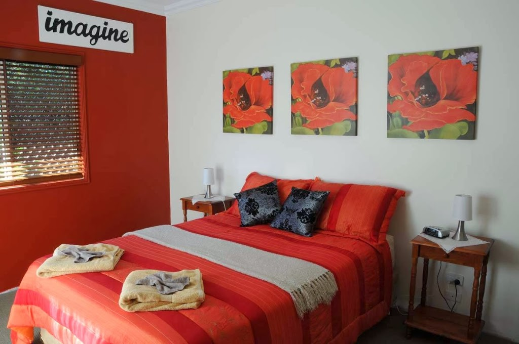 Angies Garden Retreat | lodging | 20 Hythe St, Pialba QLD 4655, Australia | 0407143763 OR +61 407 143 763