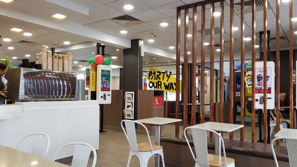 McDonalds Sunshine | cafe | 396 Ballarat Rd, Sunshine VIC 3020, Australia | 0393112160 OR +61 3 9311 2160