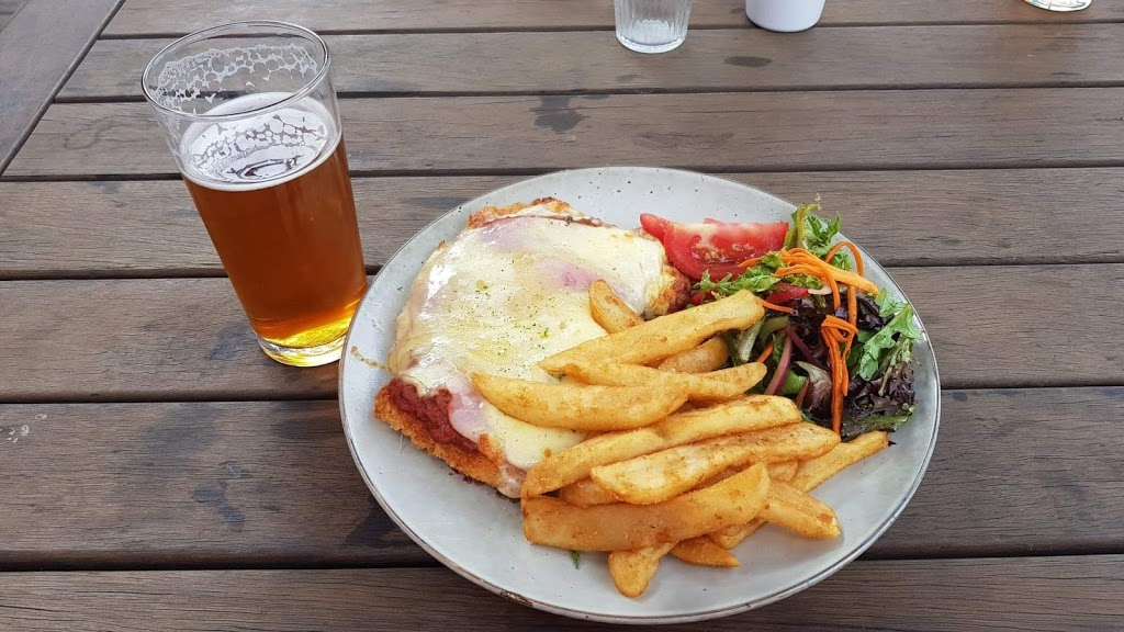 Howler Brewing Company | restaurant | 47 Westernport Rd, Lang Lang VIC 3984, Australia | 0447478585 OR +61 447 478 585